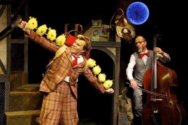 Papoul illustre avec finesse et drôlerie la vie... (Photo: Michel Pinault, fournie par le Théâtre Bouches décousues)
