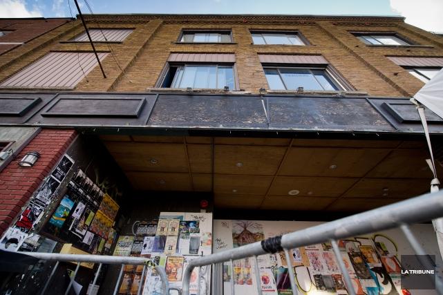L'immeuble de l'ancien Maysen Pub est devenu dangereux... (Archives, La Tribune)