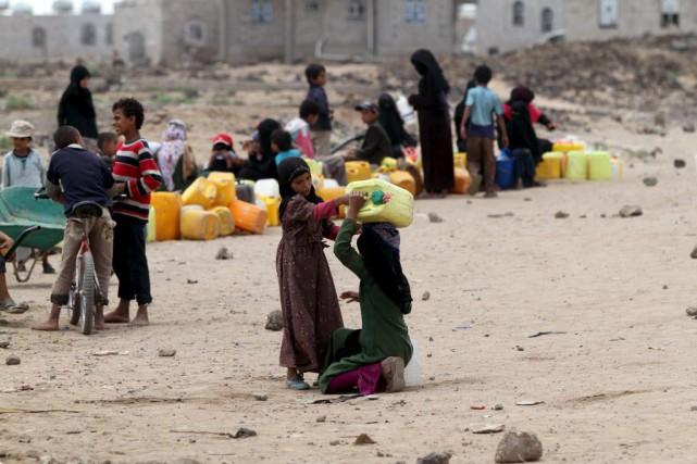 La trêve humanitaire était entrée en vigueur mardi... (Photo Mohamed al-Sayaghi, Reuters)