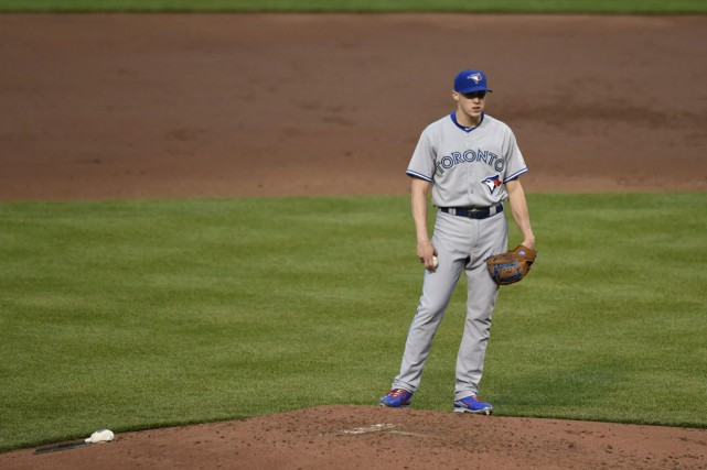 Le droitier des Blue Jays Aaron Sanchez (3-3)... (Photo GAIL BURTON, AP)