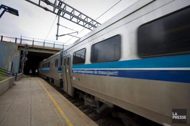 Les locomotives des trains empruntant le tunnel du... (PHOTO ANDRÉ PICHETTE, ARCHIVES LA PRESSE)