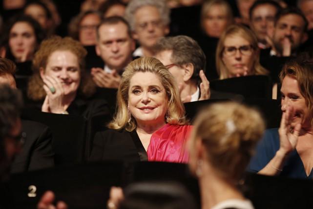 L'actrice Catherine Deneuve incarne une juge au tribunal... (PHOTO VALERY HACHE, AFP)