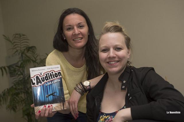 Les auteures trifluviennes Mélanie Beaubien et Julie Normandin... (Photo: Stéphane Lessard, Le Nouvelliste)