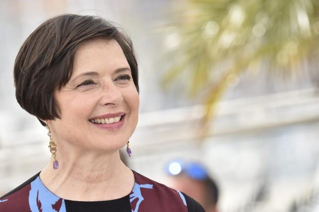 Isabella Rossellini à Cannes, jeudi.... (PHOTO BERTRAND LANGLOIS, AFP)