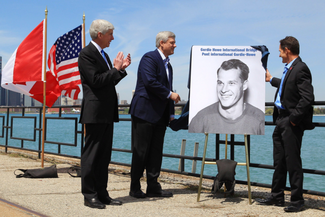 Le gouverneur du Michigan, Rick Snyder, le premier... (Photo Dave Chidley, PC)