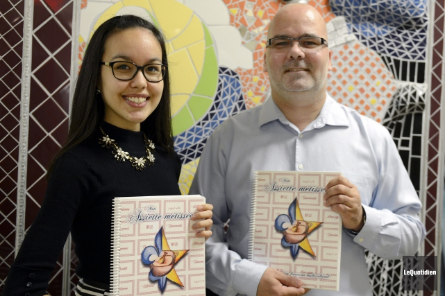 Élisa Bacon et Carlos Bergeron sont fiers de... ((Photo Le Quotidien, Jeannot Lévesque))