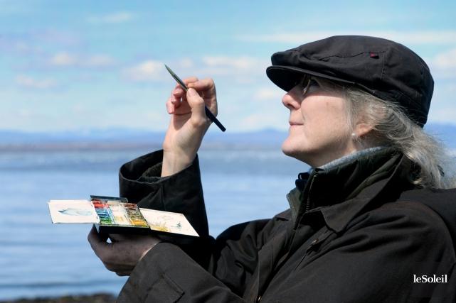 Joanne Ouellet observe les oiseaux comme j'observe les... (Le Soleil, Jean-Marie Villeneuve)