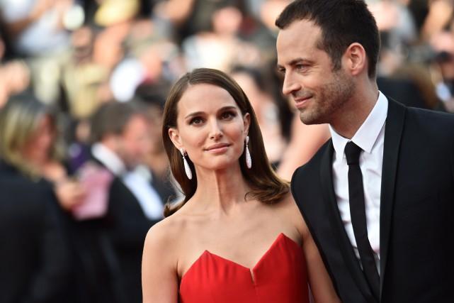 Natalie Portman et son mari Benjamin Millepied étaient... (PHOTO BERTRAND LANGLOIS, AGENCE FRANCE-PRESSE)