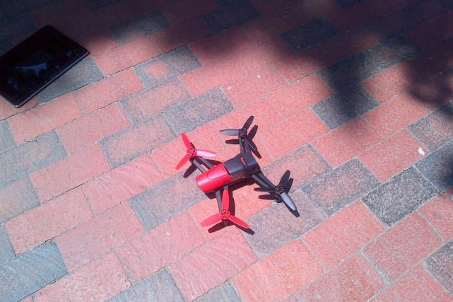 Un petit drone quadrirotor Parrot Bebop équipé d'une... (PHOTO SERVICES SECRETS AMÉRICAINS)