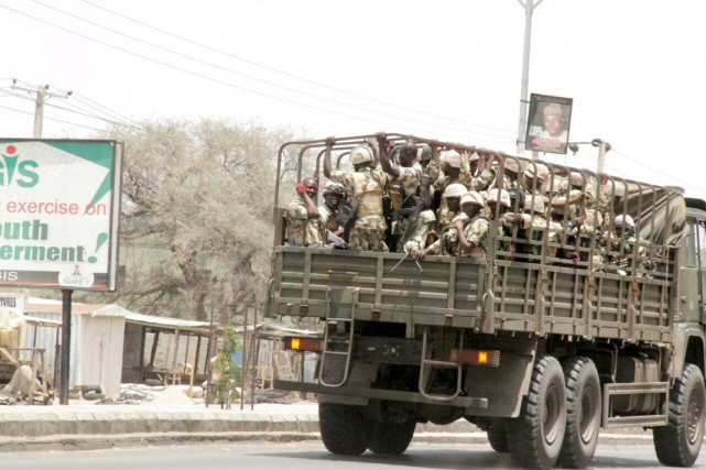 Des soldats nigérians à Maiduguri, le 14 mai.... (PHOTO ARCHIVES REUTERS/STRINGER)