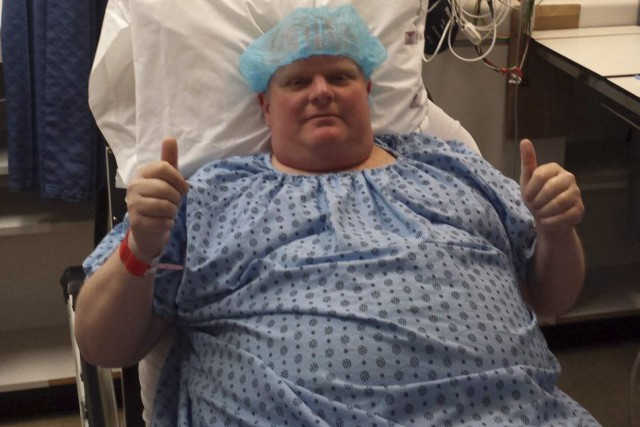 Rob Ford, de son lit d'hôpital.... (PHOTO LA PRESSE CANADIENNE)