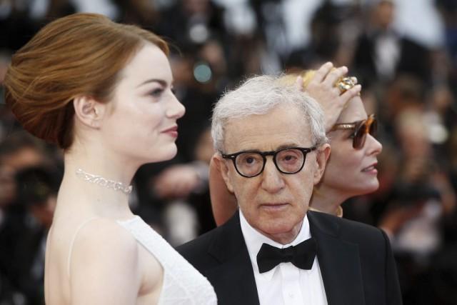 Woody Allen et Emma Stone sur le tapis... (PHOTO VALERY HACHE, AFP)