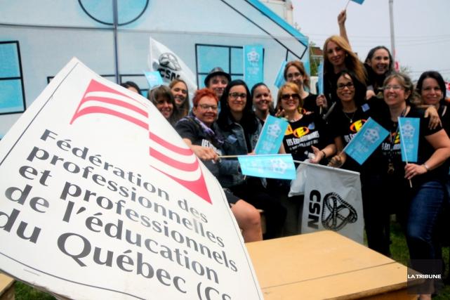 Des centaines de professionnels du monde de l'éducation... (La Tribune, Yanick Poisson)