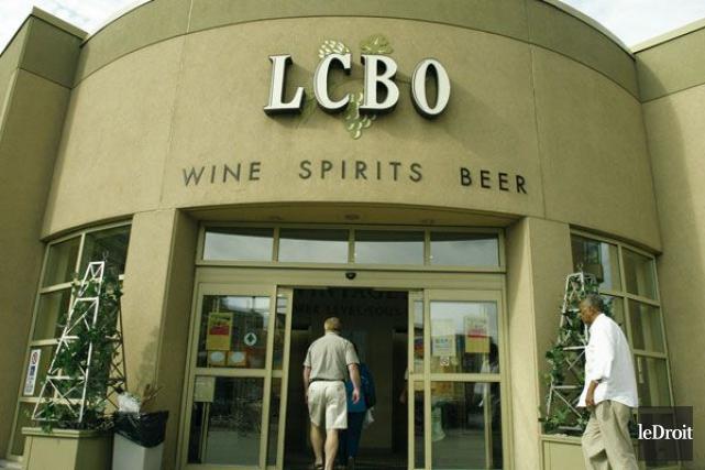 Les succursales de la LCBO sont fermées lundi.... (PHOTO ARCHIVES LE DROIT)
