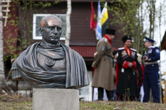 «L'image d'un empereur romain est celle de la... (PHOTO MAXIM ZMEYEV, REUTERS)