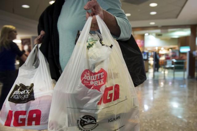 L'utilisation des sacs de plastique a grandement diminué... (La Presse Canadienne)