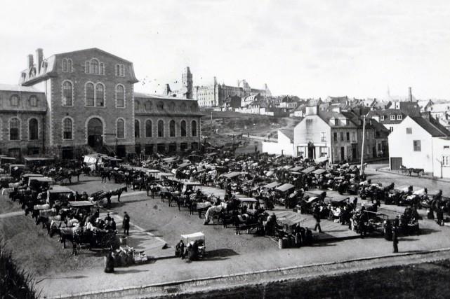 Au moment où on discute beaucoup du sort du marché public du Vieux-Port, il est... (Photo Archives Nationales du Québec)