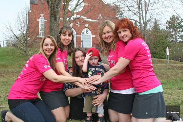 Véritables fées marraines, quatre mamans et amies s'unissent... (La Tribune, Maryse Carbonneau)
