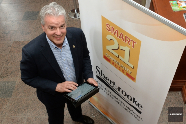 Le maire de Sherbrooke, Bernard Sévigny, est fier... (IMACOM, Maxime Picard)