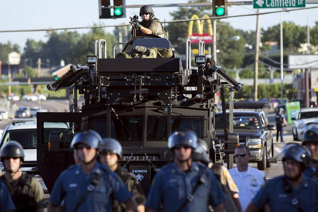 Après la mort Michael Brown en août 2014... (Photo Mario Anzuoni, archives Reuters)
