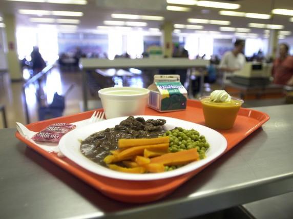 L'auteur estime que les coupes dans l'aide alimentaire... (Photo Martin Chamberland, archives La Presse)