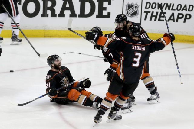 La profondeur des Ducks a noirci la feuille... (Photo Chris Carlson, AP)