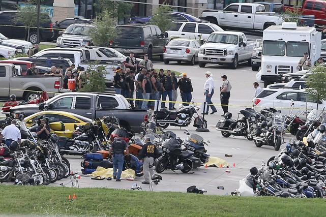 L'affrontement survenu dimanche dans la ville de Waco,... (PHOTO JERRY LARSON, AP)