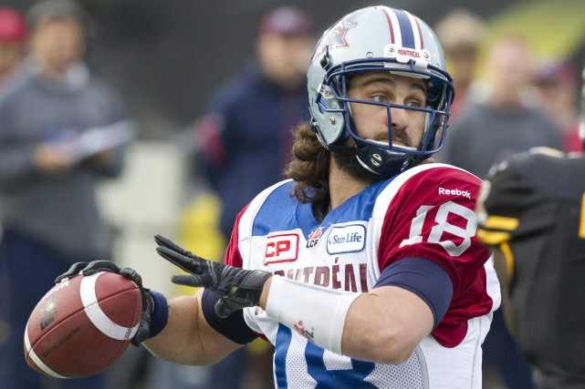 Le quart partant des Alouettes, Jonathan Crompton... (PHOTO ARCHIVES LA PRESSE CANADIENNE)