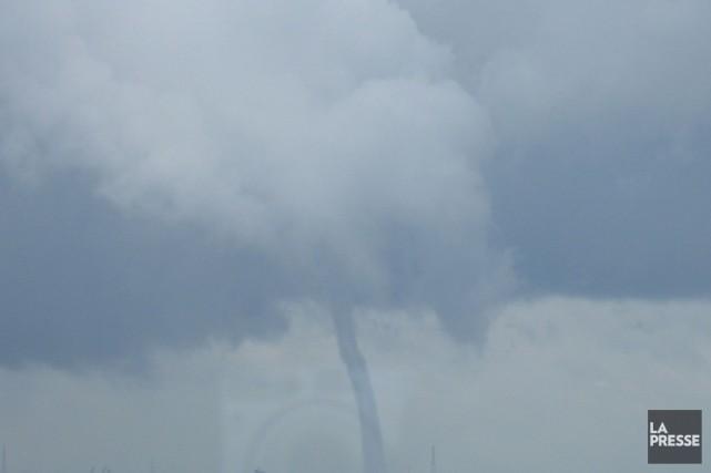 Une tornade aurait possiblement touché terre à Sainte-Majorique au... (Archives La Presse)