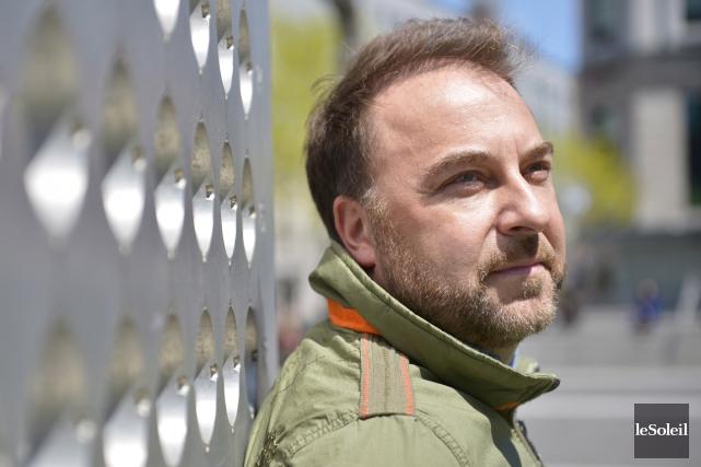 Le coiffeur Luc Vincent collabore avec Jean Airoldi... (Le Soleil, Yan Doublet)
