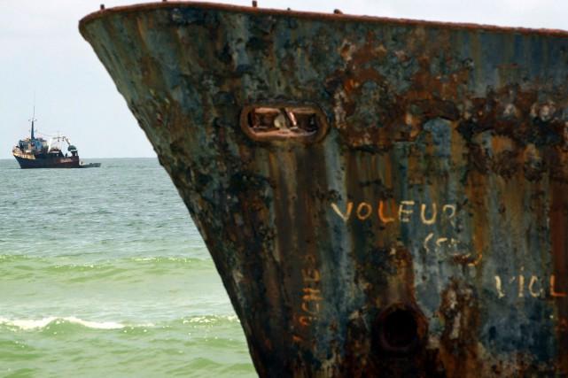 Des flottes chinoises pêchent illégalement au large des côtes d'Afrique de... (PHOTO ARCHIVES REUTERS)