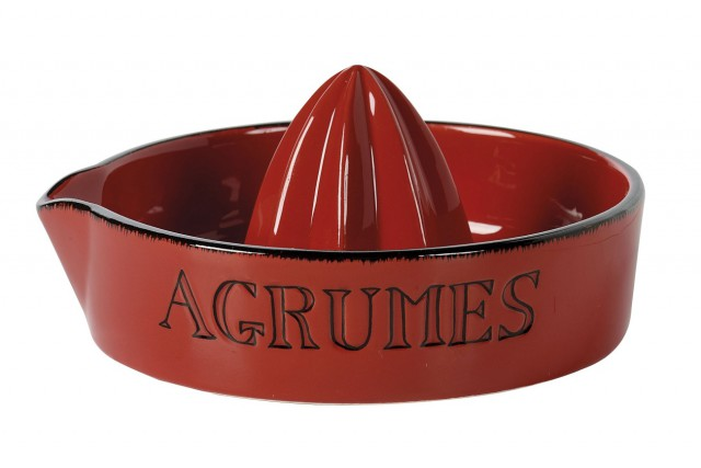 Presse agrumes rouge, 16,99 $... (Photo fournie par Maestria International)