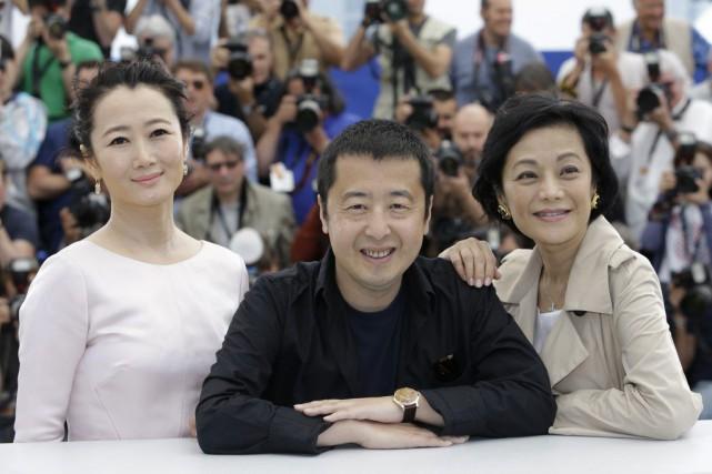 Le réalisateur Jia Zhangke avec ses actrices Zhao... (Photo: AP)