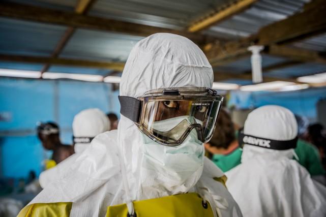 Les systèmes de santé fragiles en Guinée, Sierra... (PHOTO DANIEL BEREHULAK, ARCHIVES TEH NEW YORK TIMES)
