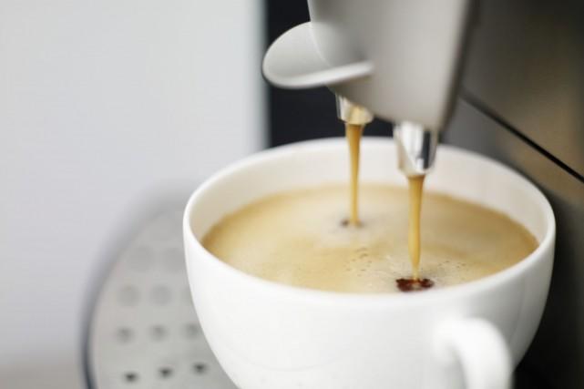 Les chercheurs croient que la caféine déclenche une... (Photo Digital/Thinkstock)