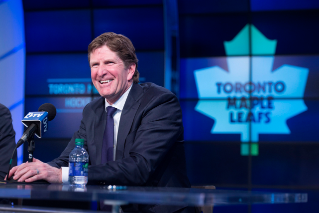 Le nouvel entraîneur-chef des Maple Leafs, Mike Babcock, a... (Archives, La Presse Canadienne)