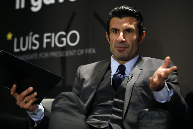 Luis Figo... (Photo Matt Dunham, archives AP)