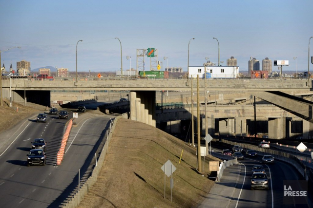 La construction d'un nouvel échangeur Turcot, en remplacement... (PHOTO BERNARD BRAULT, ARCHIVES LA PRESSE)