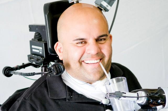 Erik Sorto, 34 ans, tétraplégique depuis une dizaine... (PHOTO REUTERS/COURTOISIE)