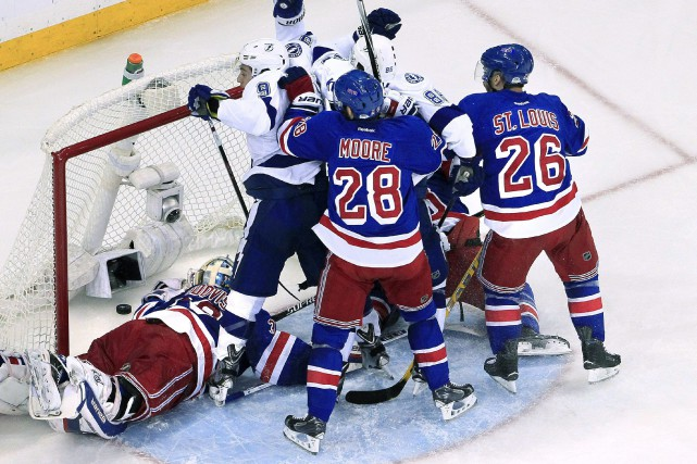 Lors du dernier match, Johnson (9) a inscrit... (Photo Dirk Shadd AP/The Tampa Bay Times)