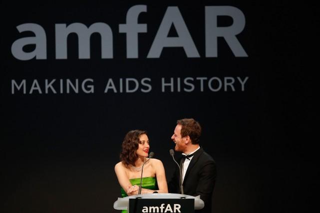 L'actrice Mario Cotillard aux côtés de l'acteurMichael Fassbender... (PHOTO VALERY HACHE, AFP)