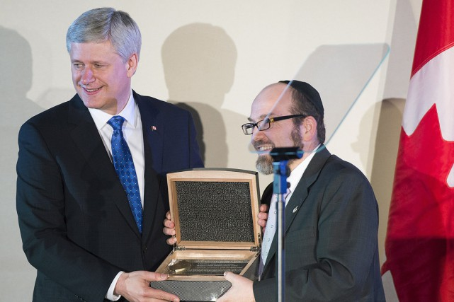 Le PM Stephen Harper a reçu le prix... (Photo Graham Hughes, PC)