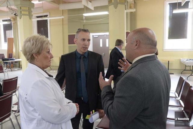 L'ex-mairesse de Shawinigan, Lise Landry, a remis jeudi... (Photo: Sylvain Mayer, Le Nouvelliste)