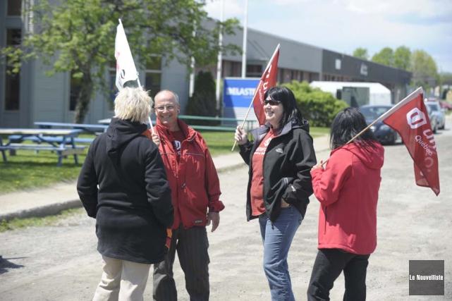 La grève chez Delastek se dirige vers son... (Photo: Sylvain Mayer, Le Nouvelliste)