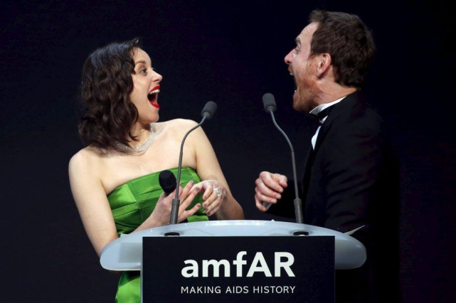 Marion Cotillard et Michael Fassbender... (PHOTO REGIS DUVIGNAU, REUTERS)