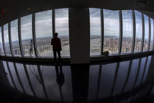 Les visiteurs qui entreront dans l'Observatoire One World... (Photo MIKE SEGAR, Reuters)