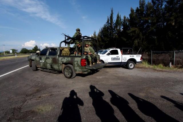 Les affrontements ont débuté après que les forces... (PHOTO HECTOR GUERRERO, AFP)