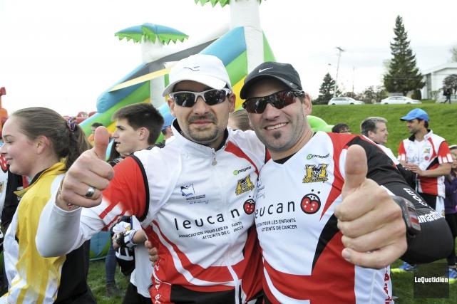 Le chroniqueur François St-Gelais et Dave McMullen à... (Photo Le Quotidien, Rocket Lavoie)
