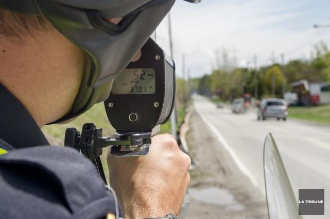 En Estrie, plus de 450 conducteurs ont été captés en excès de vitesse sur le... (Archives, La Tribune)