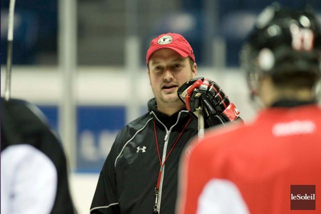 L'entraîneur adjoint des Remparts, Martin Laperrière, a rappelé... (Photothèque Le Soleil)